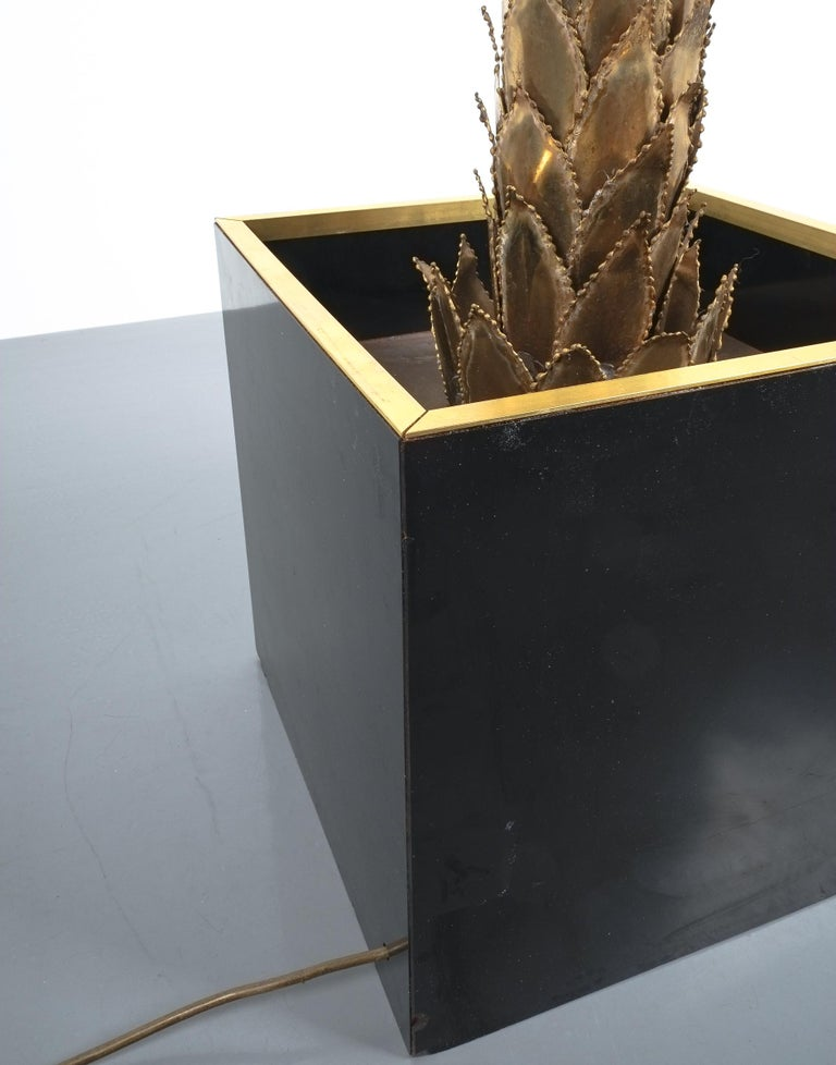 Large Brass Palm Tree Floor Lamp by Maison Jansen, France, circa 1970 For Sale 4