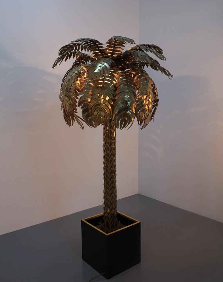 French Large Brass Palm Tree Floor Lamp by Maison Jansen, France, circa 1970 For Sale