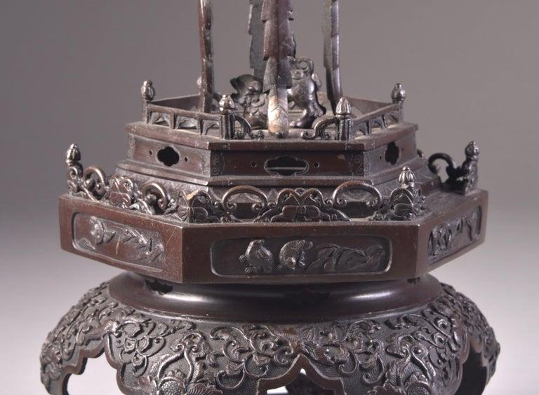 Large Bronze Incense Burner, Japan Meji Period, Late 19th Century For Sale 4