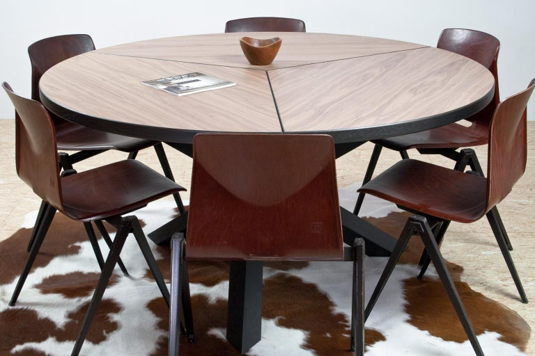 Oak Large Brutalist Round Walnut Dining Table Tripod in Style of Dutch Modernisme For Sale