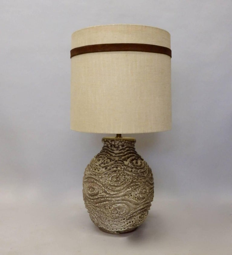 Mid-Century Modern Large Bulbous Form Pottery Table Lamp with Raised Textured Design For Sale