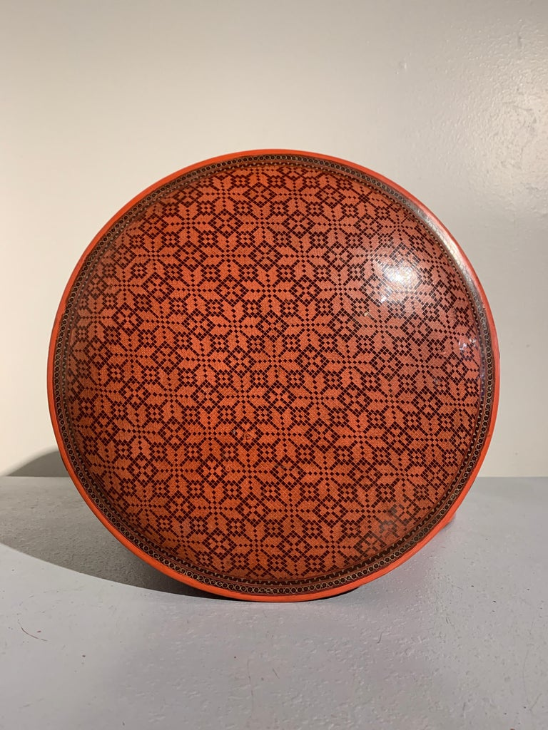 Lacquered Large Burmese Red and Black Lacquer Tiered Round Box, Early to Mid-20th Century For Sale