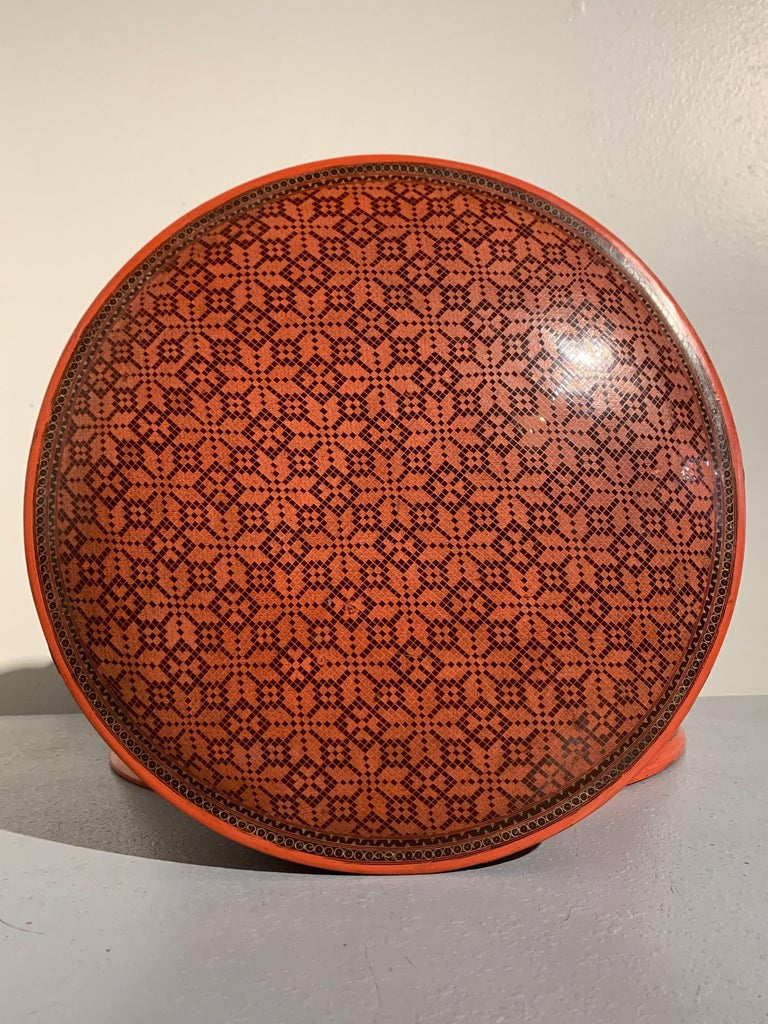 Large Burmese Red and Black Lacquer Tiered Round Box, Early to Mid-20th Century In Good Condition For Sale In Austin, TX