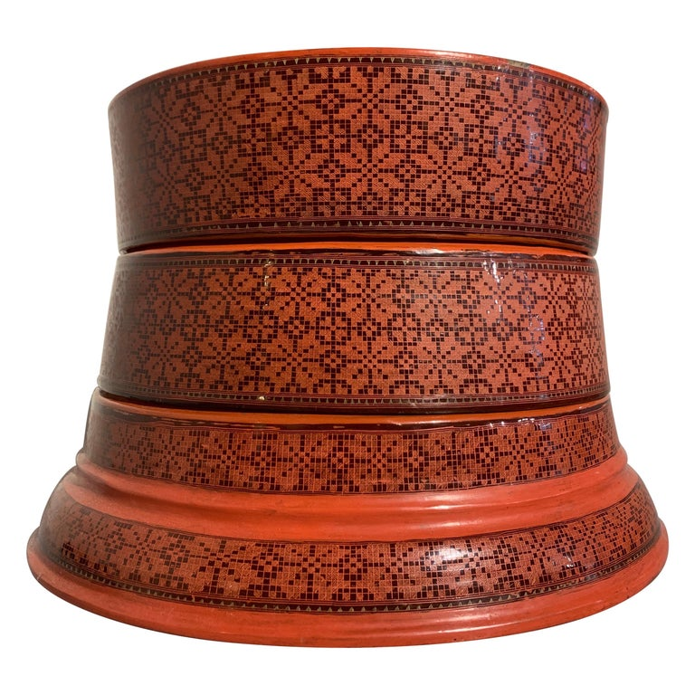 Large Burmese Red and Black Lacquer Tiered Round Box, Early to Mid-20th Century For Sale