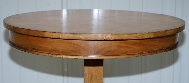 20th Century Large Burr Walnut Cocktail Coffee Low Table Nicely Carved Legs Great Patina For Sale