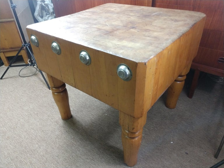 Large Butchers Block Table, C1920 In Good Condition For Sale In Port Jervis, NY