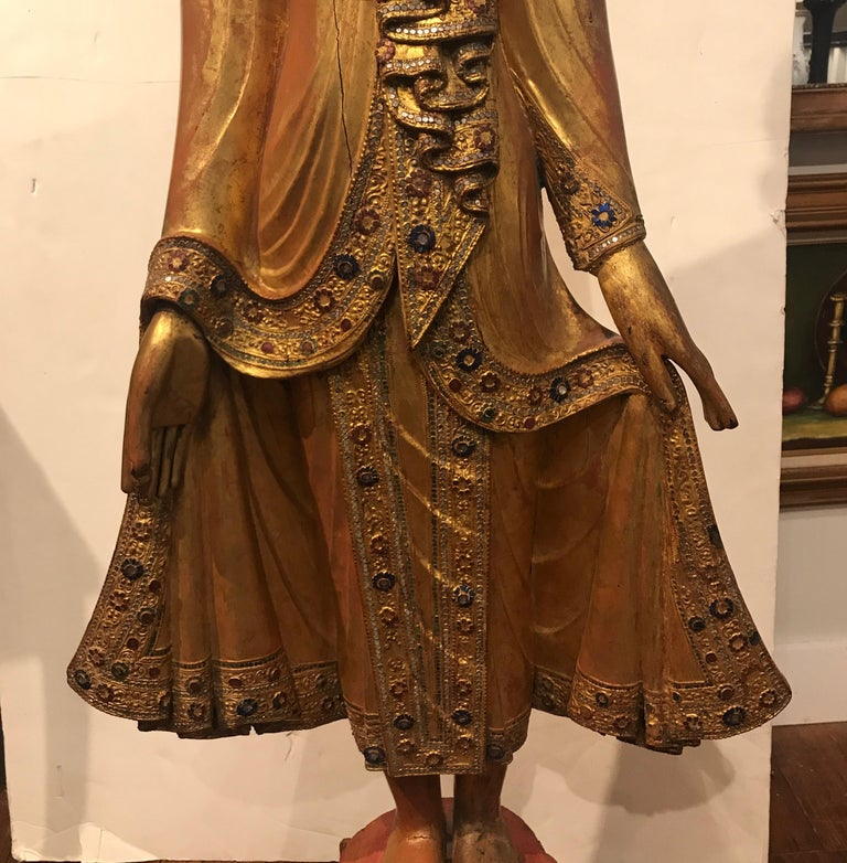 Large Carved Giltwood Thai Buddha In Good Condition For Sale In Lambertville, NJ