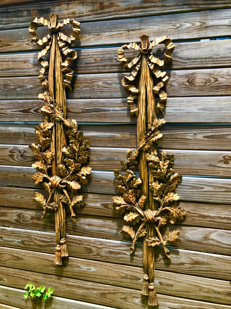 Large Carved Pair of Louis XVI Style Giltwood Wall Trophy or Applique For Sale 10