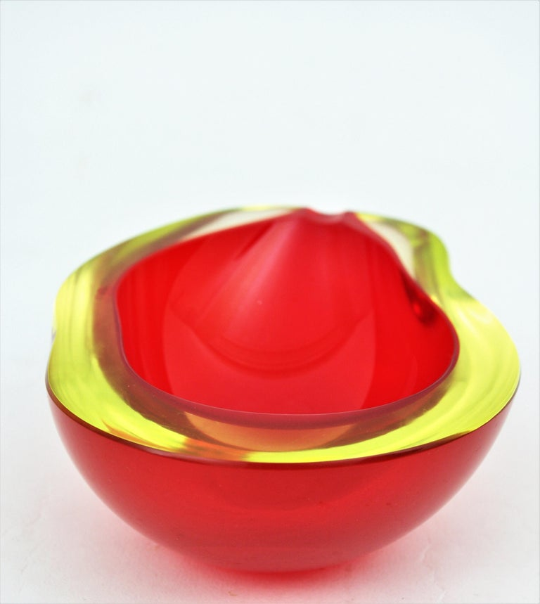 Large Cenedese Murano Red Sommerso Glass Geode Bowl Ashtray, Signed For Sale 4