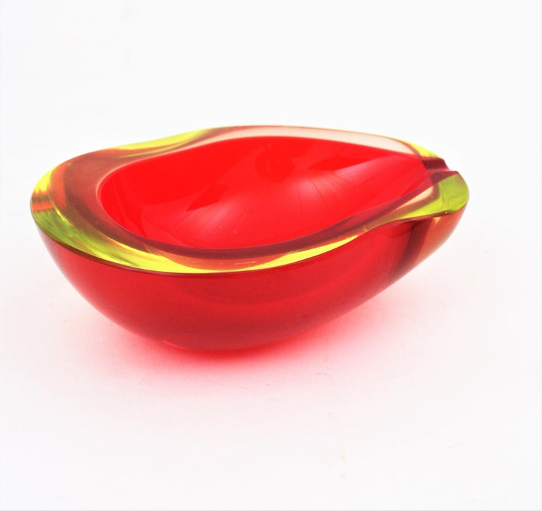 Large Cenedese Murano Red Sommerso Glass Geode Bowl Ashtray, Signed For Sale 1