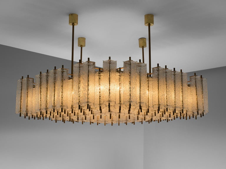European Large Chandelier in Structured Glass and Brass For Sale