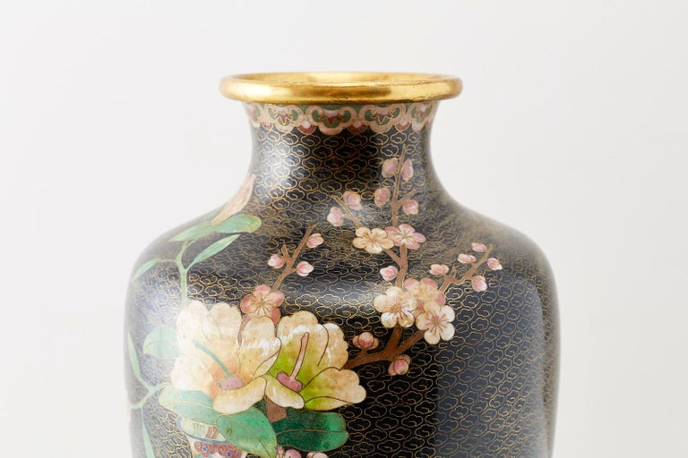 Large Chinese Cloisonné Vase with Floral Decoration For Sale 4