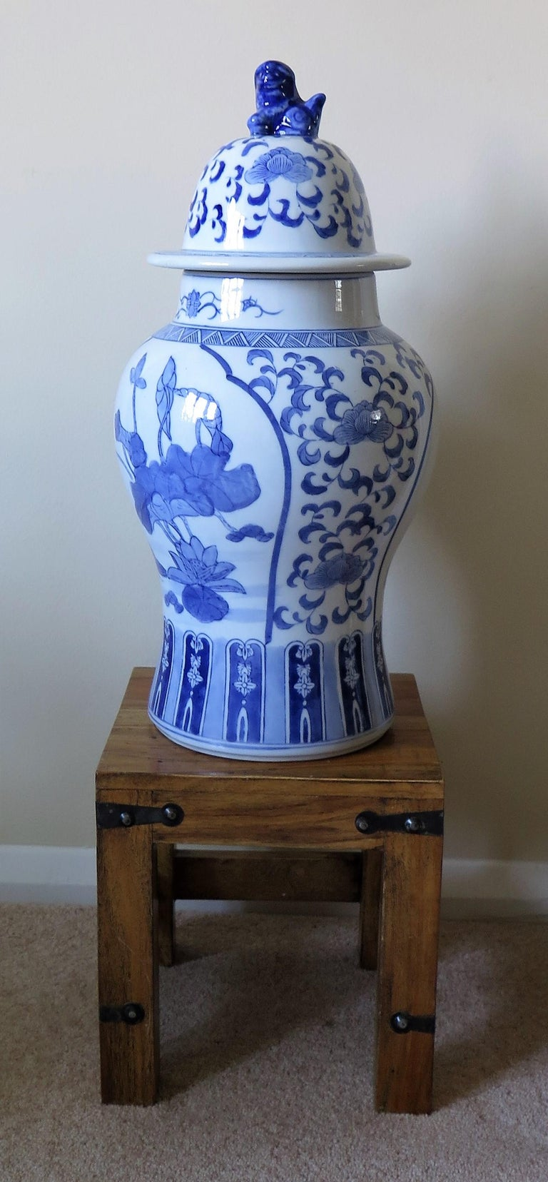 Large Chinese Lidded Vase Blue and White Porcelain Hand Painted Mid-20th Century For Sale 8