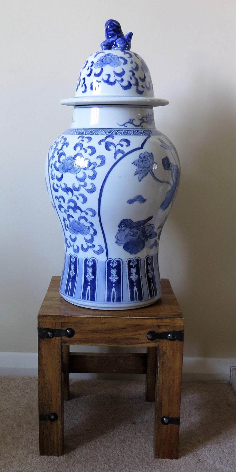 Large Chinese Lidded Vase Blue and White Porcelain Hand Painted Mid-20th Century For Sale 11