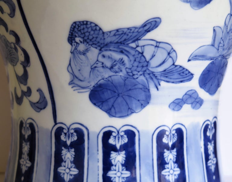 Large Chinese Lidded Vase Blue and White Porcelain Hand Painted Mid-20th Century For Sale 3