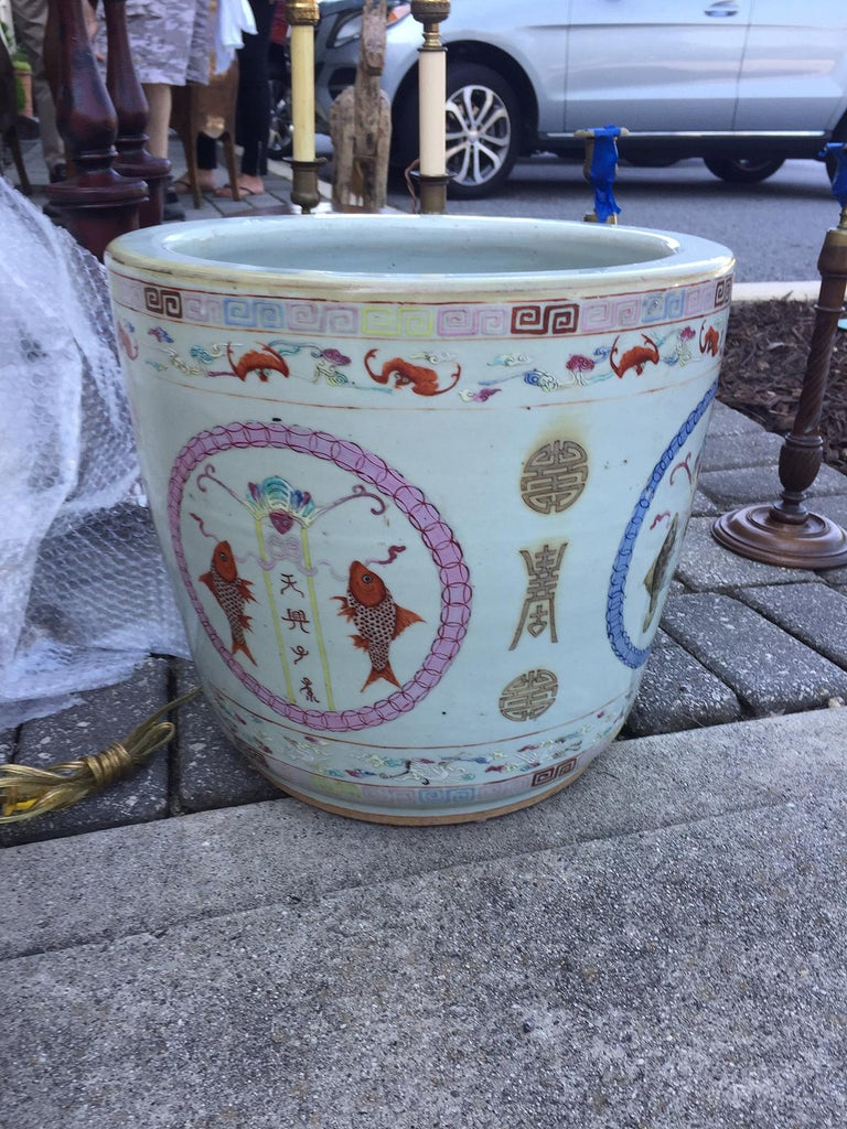 Large Chinese Porcelain Cachepot Planter, circa 1900 For Sale 2