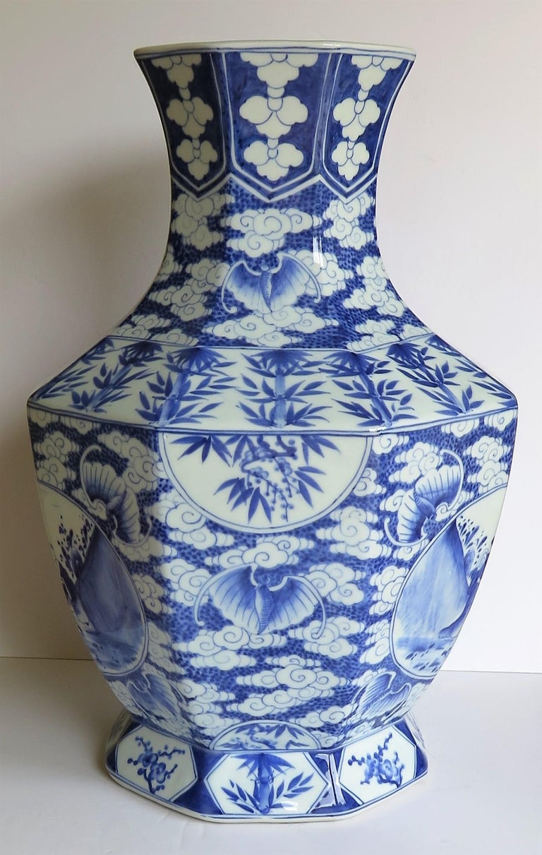 Hand-Painted Large Chinese Porcelain Vase Hand Painted Blue and White, circa 1920 For Sale