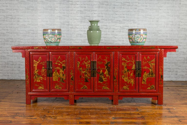 Large Chinese Shanxi Red Lacquered Sideboard with Gilded Chinoiseries Motifs For Sale 5