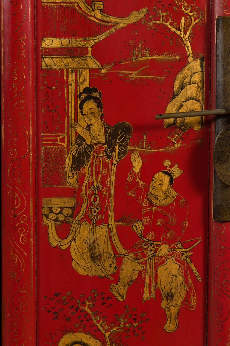 Large Chinese Shanxi Red Lacquered Sideboard with Gilded Chinoiseries Motifs For Sale 2