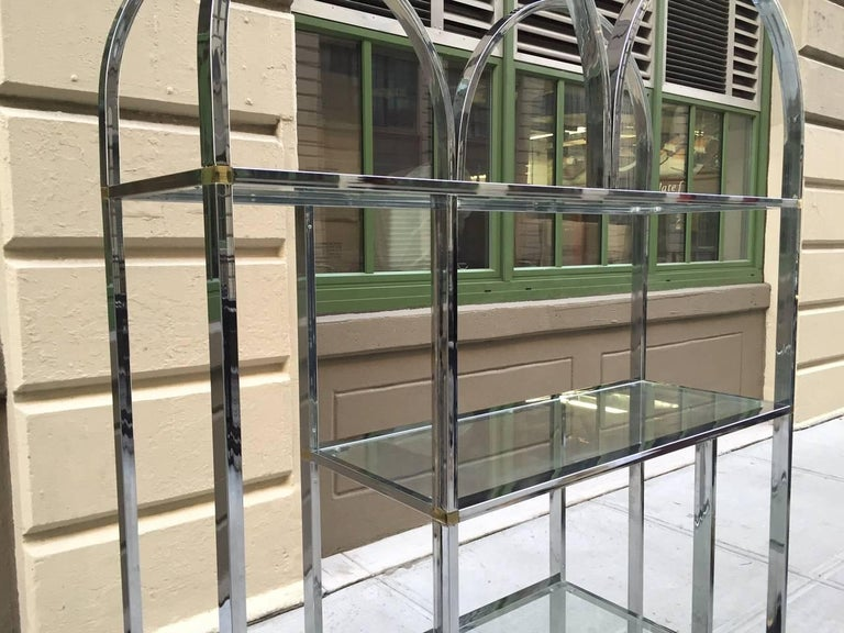 Large Chrome Étagère Style of Milo Baughman In Good Condition For Sale In New York, NY