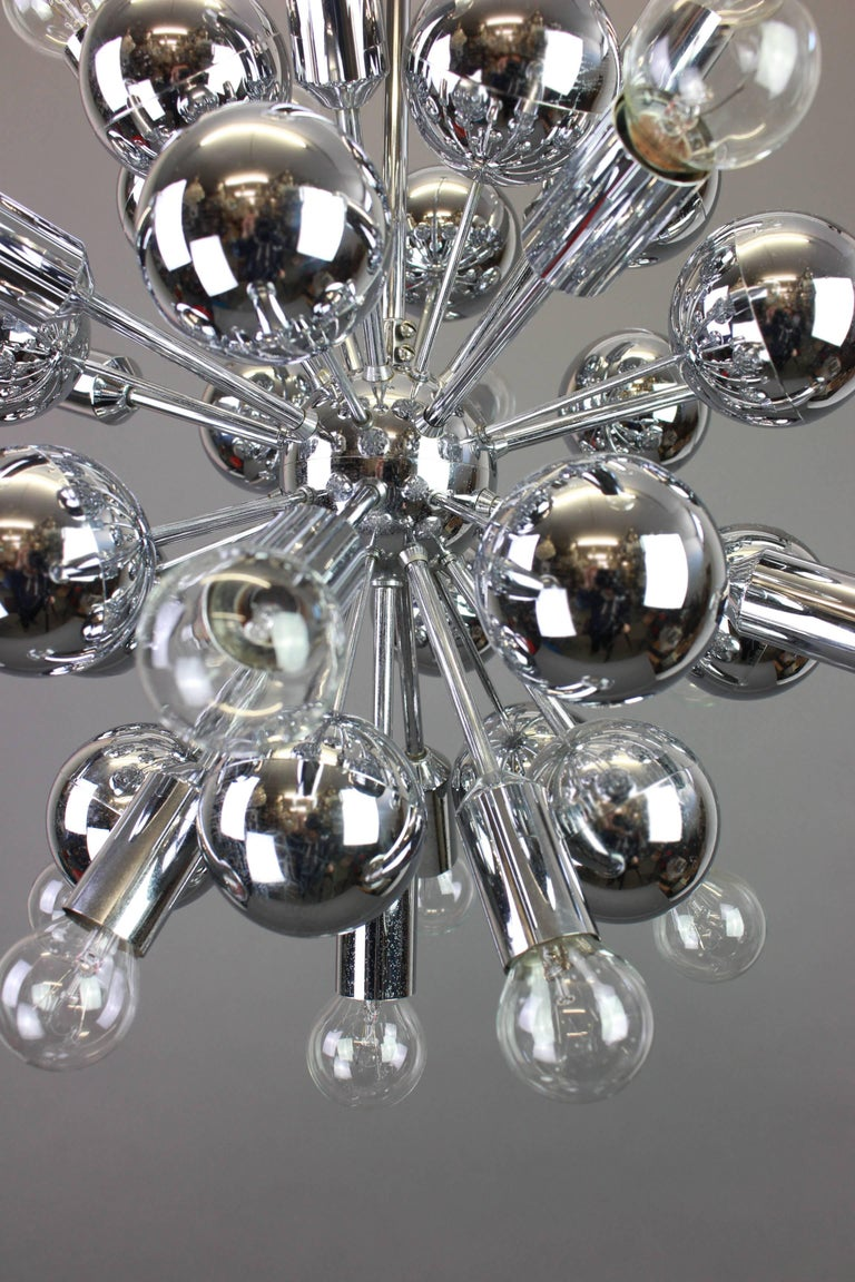 Large Chrome Space Age Sputnik Chandelier by Cosack, Germany, 1970s In Good Condition For Sale In Aachen, DE