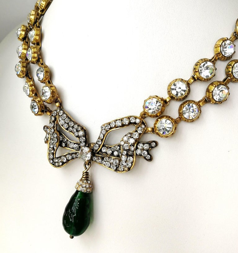 Women's Large clear paste and emerald poured glass  'bow' necklace, Chanel, 1980s For Sale