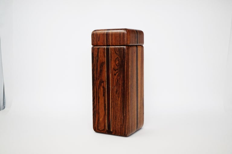 Large Cocobolo Rosewood Lidded Box by Don Shoemaker for Senal S.A., Signed In Good Condition For Sale In Los Angeles, CA