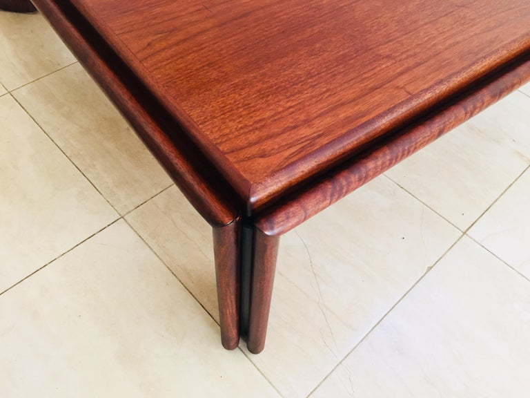 Large Coffee Table by Afra and Tobia Scarpa, Italy In Good Condition For Sale In North Hollywood, CA