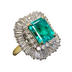 Large Colombian 6.76 Carat Emerald and Diamond Cocktail Ring