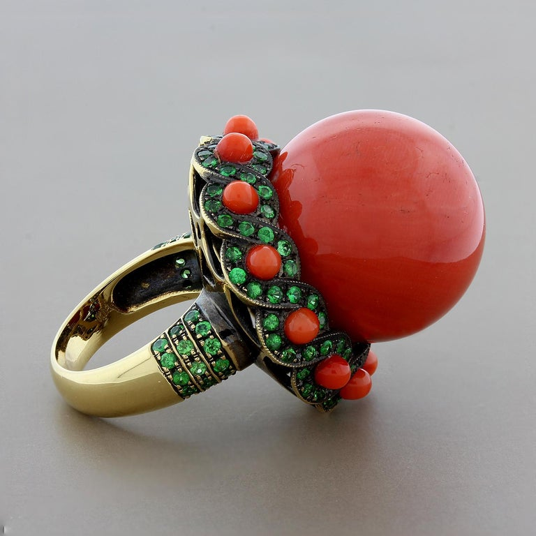 Large Coral Tsavorite Gold Cocktail Ring In Excellent Condition For Sale In Beverly Hills, CA