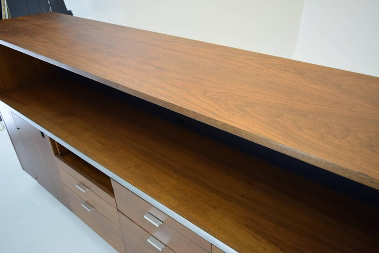 Large Credenza Cabinet by George Nelson for Herman Miller In Excellent Condition For Sale In South Charleston, WV