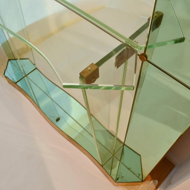 Large Cristal Arte Console Wall Mirror with Emerald Green Border, Italy, 1950s For Sale 10
