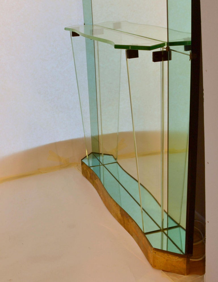 Large Cristal Arte Console Wall Mirror with Emerald Green Border, Italy, 1950s In Excellent Condition For Sale In London, GB