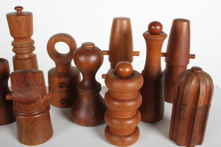 Large Dansk Collection of Pepper Mills and Salt Shakers, IHQ In Good Condition For Sale In St. Louis, MO