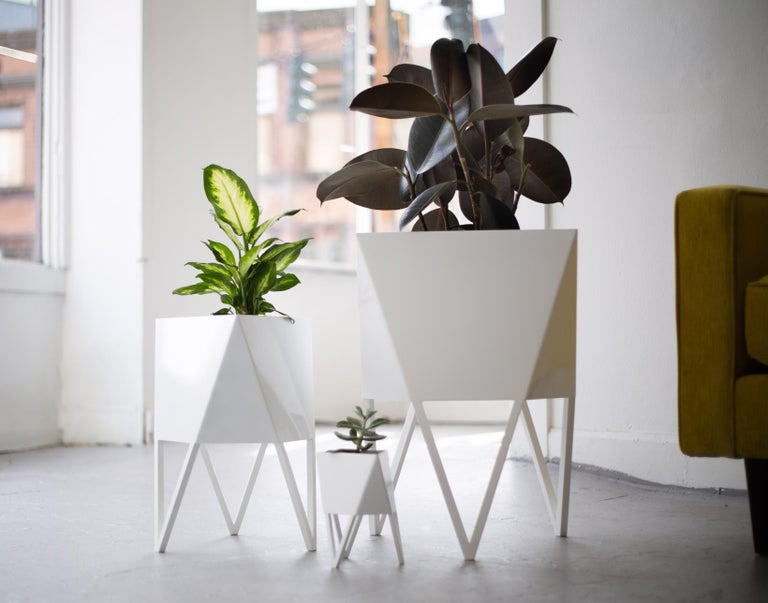 Large Deca Planter in Mint by Force/Collide, 2020 For Sale 1