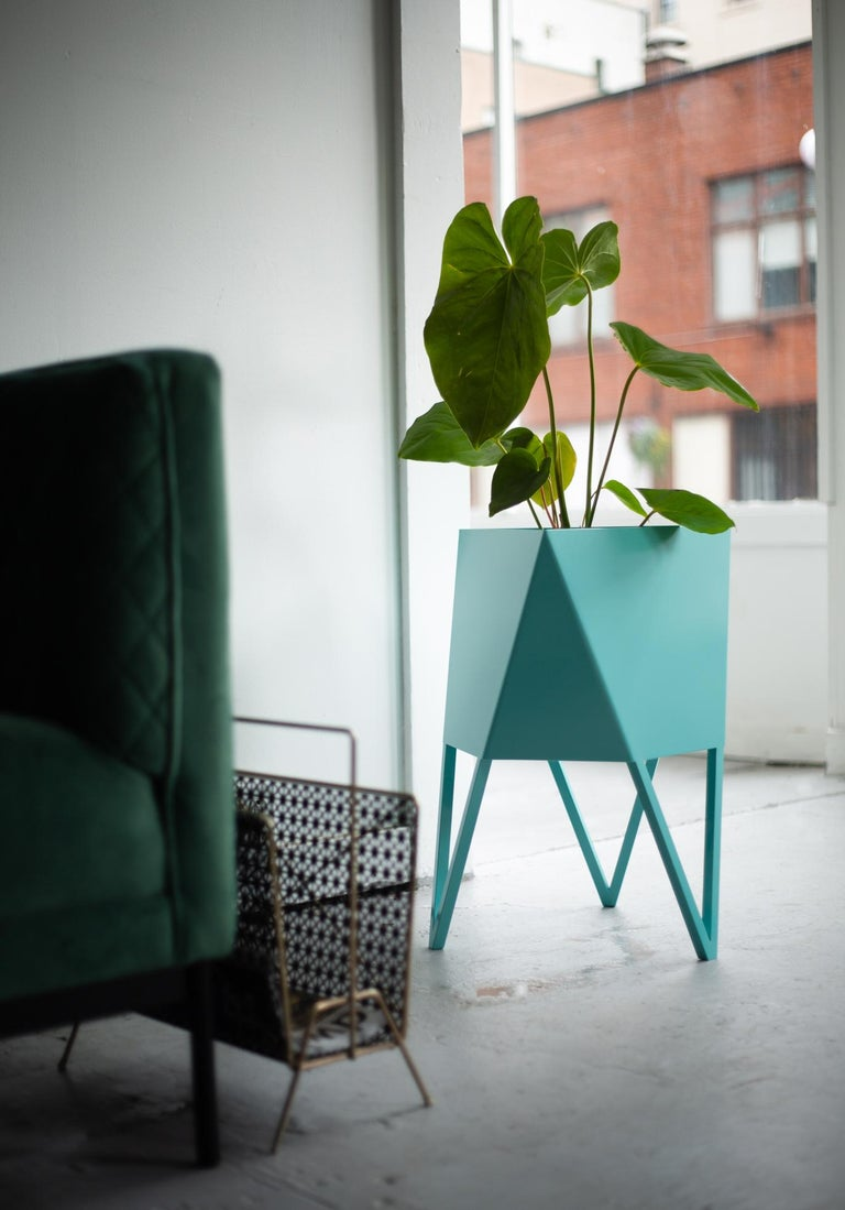 Large Deca Planter in Mint by Force/Collide, 2020 In New Condition For Sale In Seattle, WA