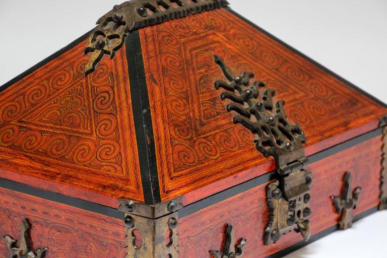 Large Decorative Jewelry Box with Brass, Kerala Nettur Petti For Sale 4