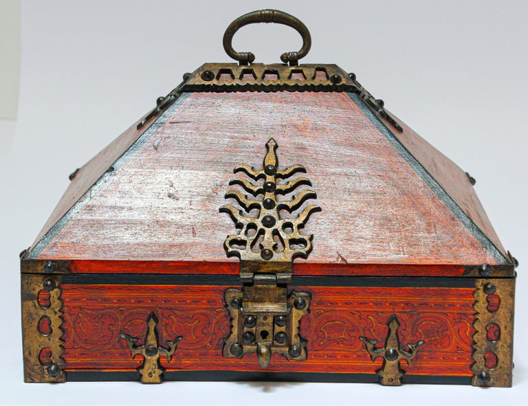 Large Decorative Jewelry Box with Brass, Kerala Nettur Petti For Sale 6