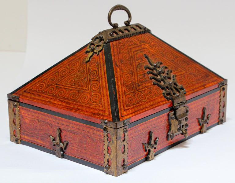 Agra Large Decorative Jewelry Box with Brass, Kerala Nettur Petti For Sale
