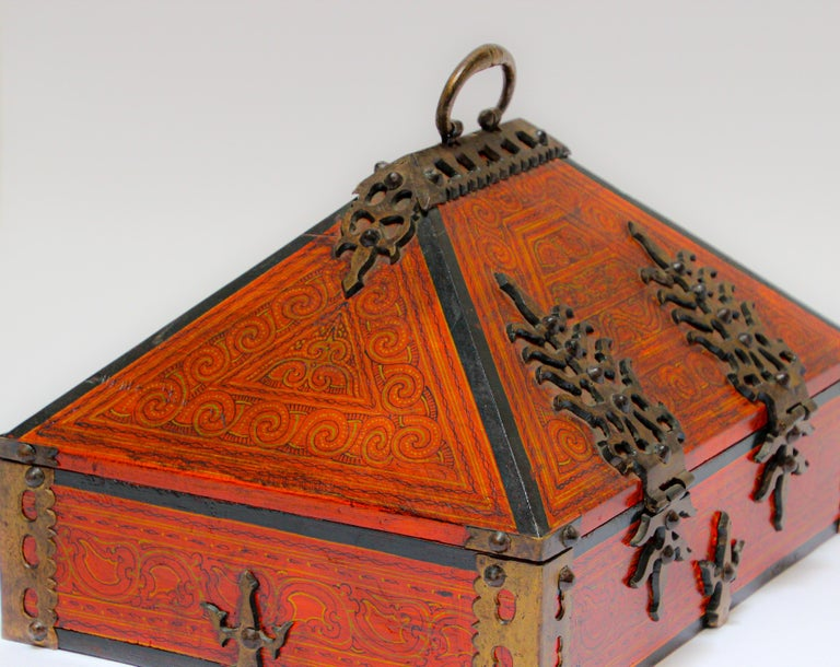 Hammered Large Decorative Jewelry Box with Brass, Kerala Nettur Petti For Sale