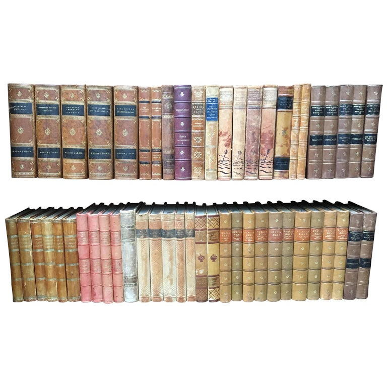 Early 20th Century Large Decorative Library Collection of Scandinavian Antique Leather-Bound Books For Sale