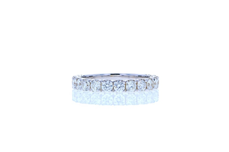 Round Cut Large Diamond Wedding Band Set in White Gold For Sale