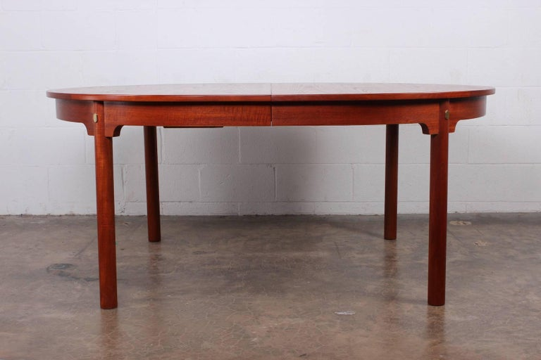 Large Dining Table by Hans Wegner for Johannes Hansen In Excellent Condition For Sale In Dallas, TX
