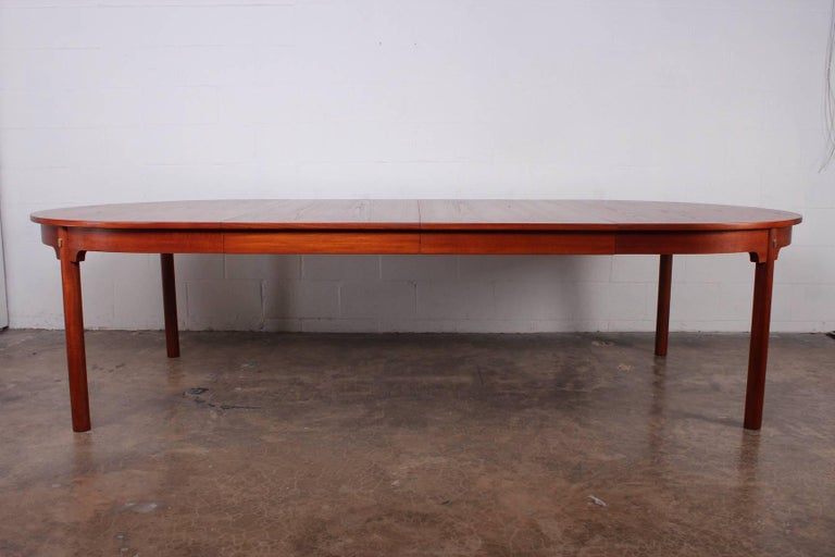 Large Dining Table by Hans Wegner for Johannes Hansen For Sale 3
