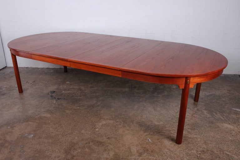 Large Dining Table by Hans Wegner for Johannes Hansen For Sale 4