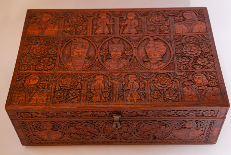 Large Early 19th Century Antique Hand Carved Wooden Mughal Decorative Box For Sale 4