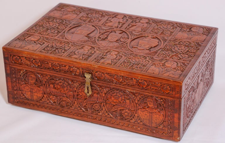 Large Early 19th Century Antique Hand Carved Wooden Mughal Decorative Box For Sale 5