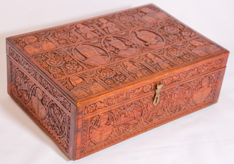 Large Early 19th Century Antique Hand Carved Wooden Mughal Decorative Box For Sale 6