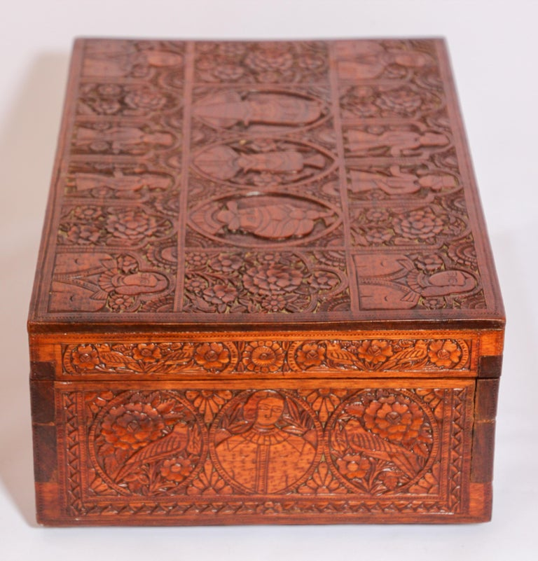 Large Early 19th Century Antique Hand Carved Wooden Mughal Decorative Box For Sale 7