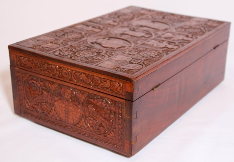 Large Early 19th Century Antique Hand Carved Wooden Mughal Decorative Box For Sale 9